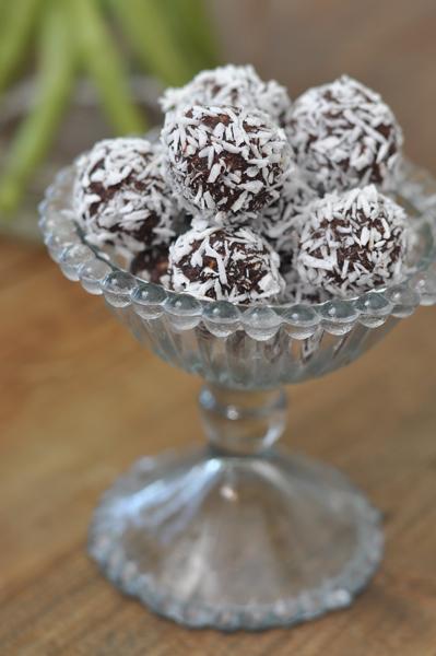 mjolkfria-recept-chokladbollar-dadlar